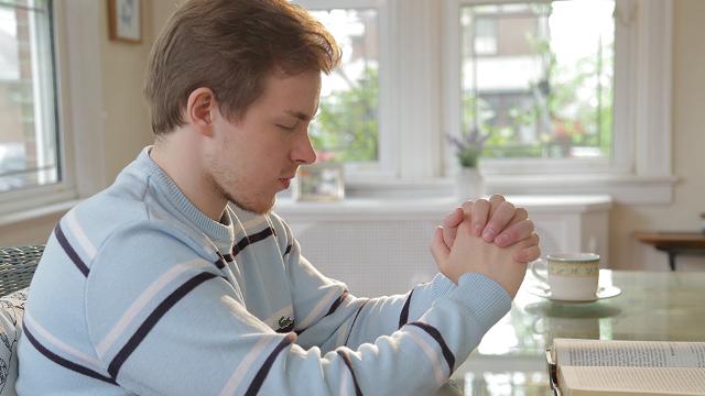 Perché prego spesso Dio ma Dio non mi ascolta